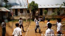 Nepal 68-jähriger Schüler Durga Kami