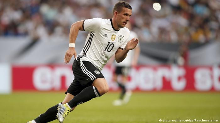 O atacante Lukas Podolski anunciou nesta segunda-feira (15 08) que não  jogará mais pela seleção alemã. Em comunicado na rede social Instagram 390005e9b46c3