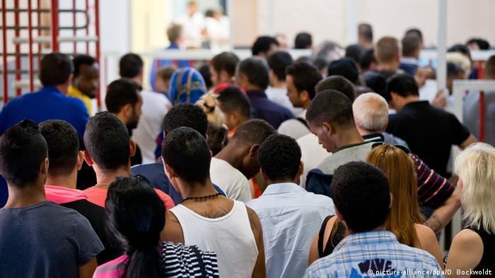 Flüchtlinge aus Nordafrika in Deutschland (picture-alliance/dpa/D. Bockwoldt)