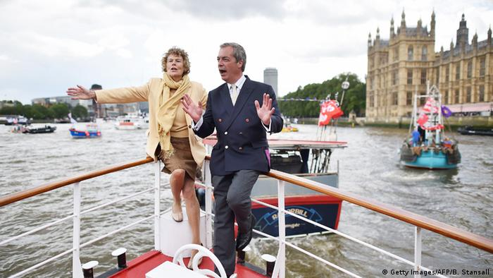Fishing for Leave campaign on the Thames (Getty Images/AFP/B. Stansall)