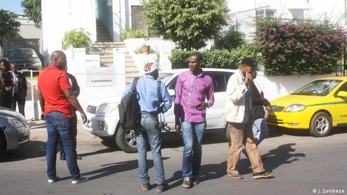 Autoridades levaram responsáveis do jornal Zambeze para prestar depoimentos na PIC