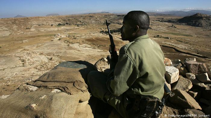 Äthiopien Soldat an der Grenze zu Eritrea