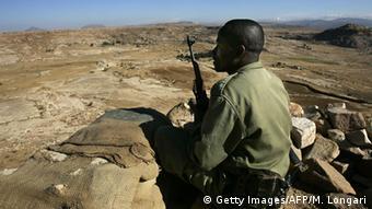 Äthiopien Soldat an der Grenze zu Eritrea (Getty Images/AFP/M. Longari)