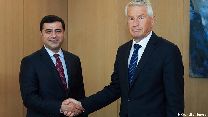 Selahattin Demirtaş Strasbourg'da Avrupa Konseyi Genel Sekreteri Thorbjorn Jagland ile.