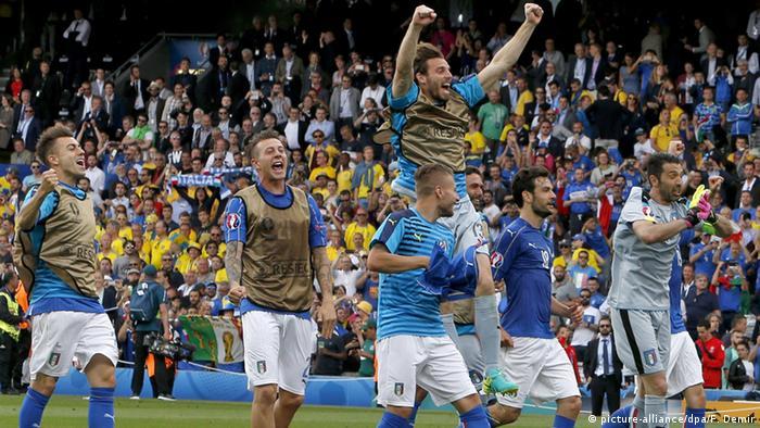 Frankreich Fußball-EM Italien vs. Schweden Italien feiert Sieg