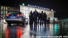 Köln Polizei vor Hauptbahnhof