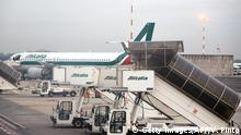 Alitalia plane (Getty Images/AFP/V. Pinto)