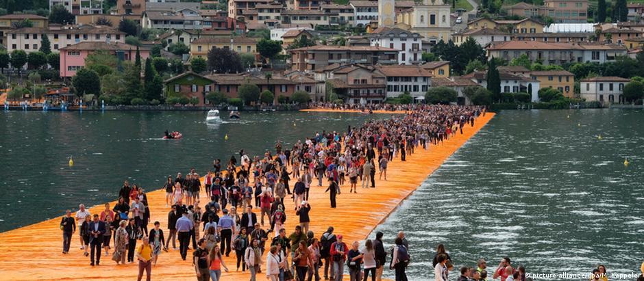 """Instalação """"Píeres flutuantes"""" poderá ser apreciada até 3 de julho em Sulzano"""