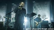 """26.05.2016+++++++++++ Radiohead fans attacked. File photo dated 26/05/16 of Radiohead performing in London as they have said their """"hearts go out"""" to fans attacked during a listening party in Istanbul. Issue date: Saturday June 18, 2016. The band held a streaming event with record stores across the globe to celebrate the release of their new album, A Moon Shaped Pool when a violent attack broke out at the event at Velvet IndieGround Records on Friday evening. See PA story SHOWBIZ Radiohead. Copyright: picture-alliance/PA Wire/D. Jensen"""