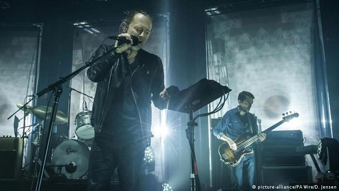 Radiohead playing a live-stream concert in London in 2016 (picture-alliance/PA Wire/D. Jensen)
