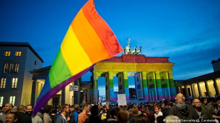 Deutschland Berlin Mahnwache Berlin for Orlando