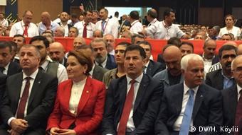 Akşener liderliğindeki MHP'li muhalifler İYİ Parti'yi 2017'de kurdu.