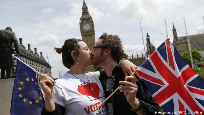 London Anti-Brexit Aktion A Kiss for Europe