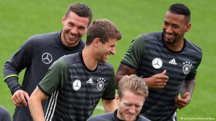 EM Frankreich Training der deutschen Nationalmannschaft Thomas Müller