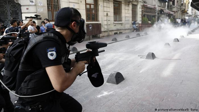 Istanbul police fire rubber bullets and tear gas