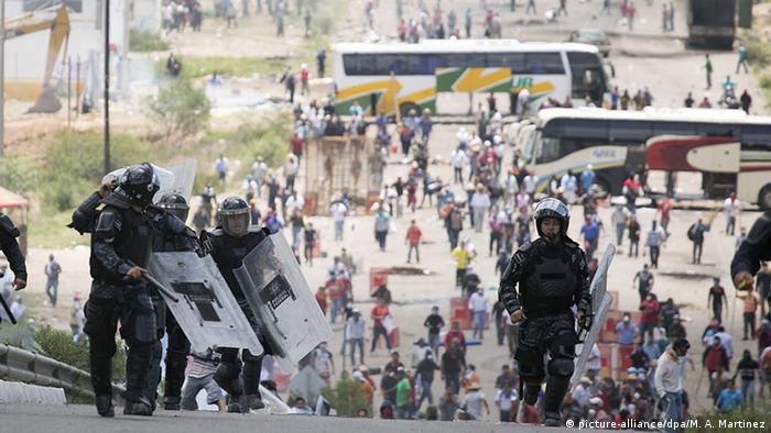 México: aumenta saldo de muertos en protesta de maestros | América Latina | DW | 19.06.2016
