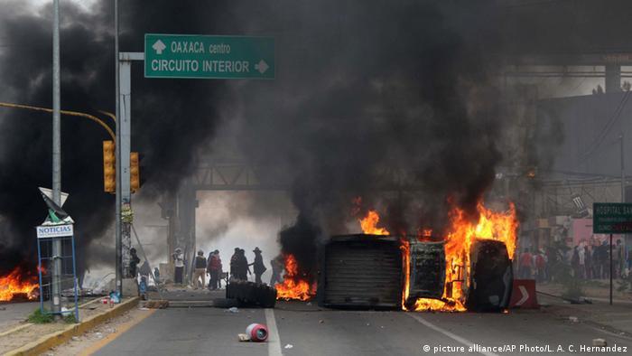 Aguerridas protestas contra la reforma educativa paralizaron regiones enteras en el sur de México. Imagen de archivo. Nochixtlan, Oaxaca, 2016.