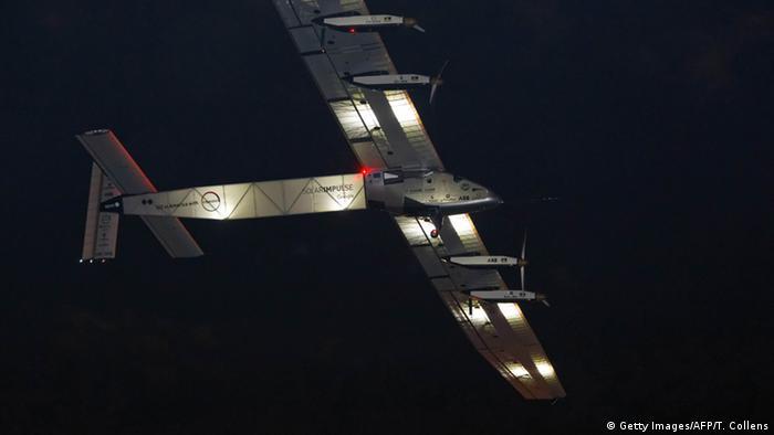 USA Solarflugzeug Solar Impulse 2 - Start in New York, Flughafen John F. Kennedy