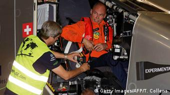 Bertrand Piccard starting his flight in New York