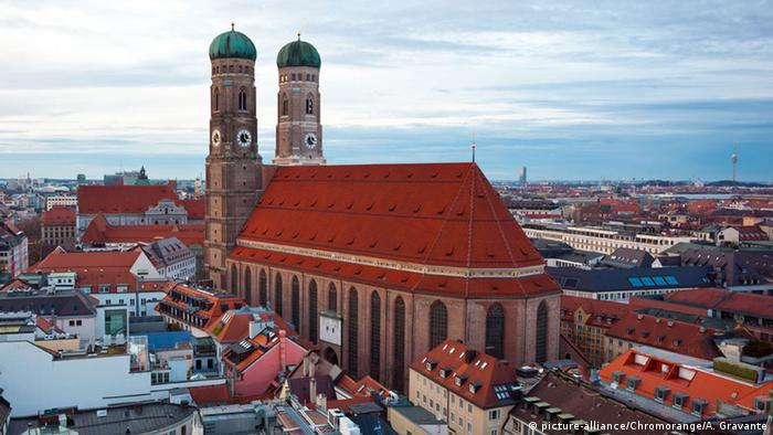 The Frauenkirche in Munich (picture-alliance/Chromorange/A. Gravante)