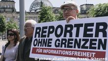 Deutschland Berlin Reporer ohne Grenzen protestieren
