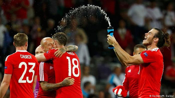 ويلز تهزم روسيا بثلاثية وتتأهل لثمن نهائي بطولة أمم أوروبا