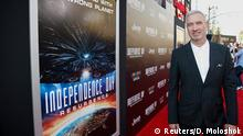 USA Hollywood Regisseur Roland Emmerich bei Premiere Independence Day (2) Resurgence