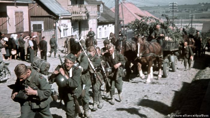 Marcha da Wehrmacht na Lituânia em 1941, durante a Operação Barbarossa