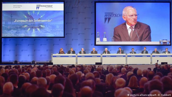 Schäuble fordert Kurswechsel in Europa