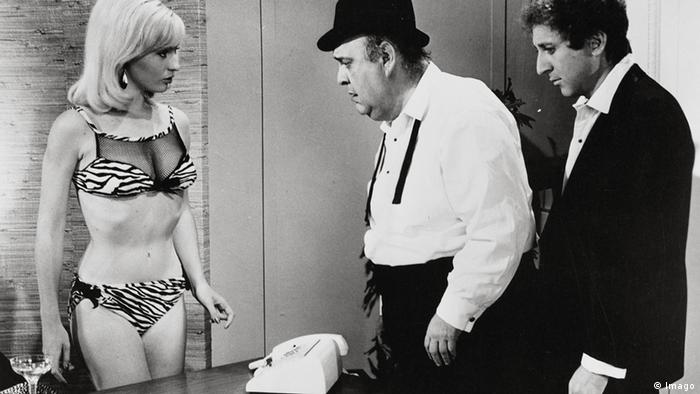 Film still 'The Producers', two men and a woman in underwear (Foto: imago)