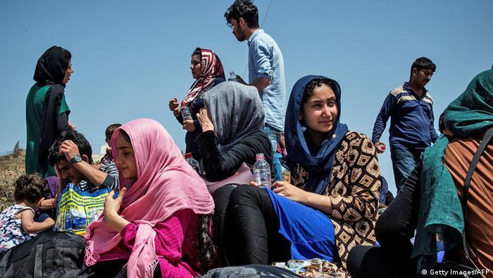 "Résultat de recherche d'images pour ""sınırda suriyeli göçmenler art"""