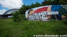 Deutschland Graffiti ertrunkenes Flüchtlingskind in Frankfurt a.M. übermalt