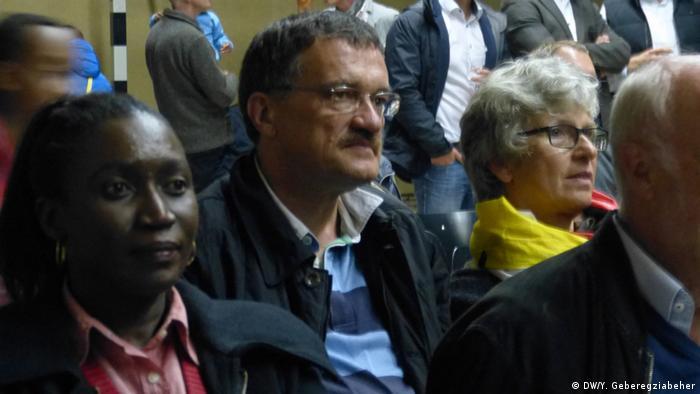 Äthiopien EM Fanmeile in Addis Abeba, Deutsche Botschaft (DW/Y. Geberegziabeher)
