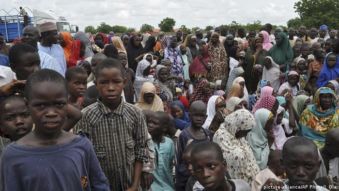 Symbolbild Nigeria Bama Flüchtlinge (picture-alliance/AP Photo/J. Ola)