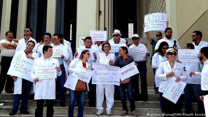Mexiko Ärzte und Gesundheitspersonal Protest