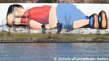 Deutschland Graffiti ertrunkener Flüchtlingsjunge