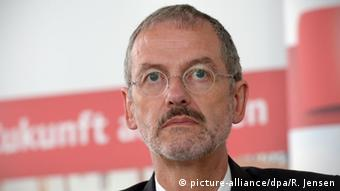 پتر نهر، رئیس سازمان خیریه کاریتاس