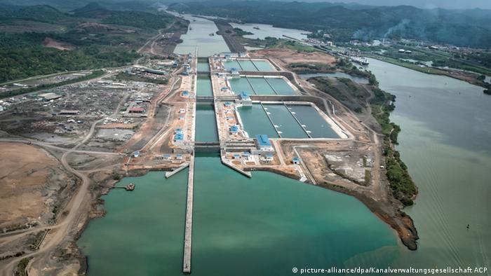 Шлюзы Панамского канала.