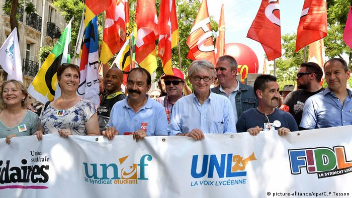 Union members demostrate against labor law reform in France in 2016