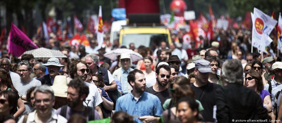 «Οι Γάλλοι θέλουν μεταρρυθμίσεις αλλά χωρίς θυσίες»