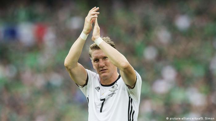 Сборная германии по футболу полузащитник бастиан швайштайгер бавария мюнхен