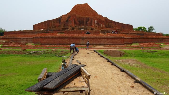 The ruins of Pahapur, Bangladesh (Eberhard Sucker)