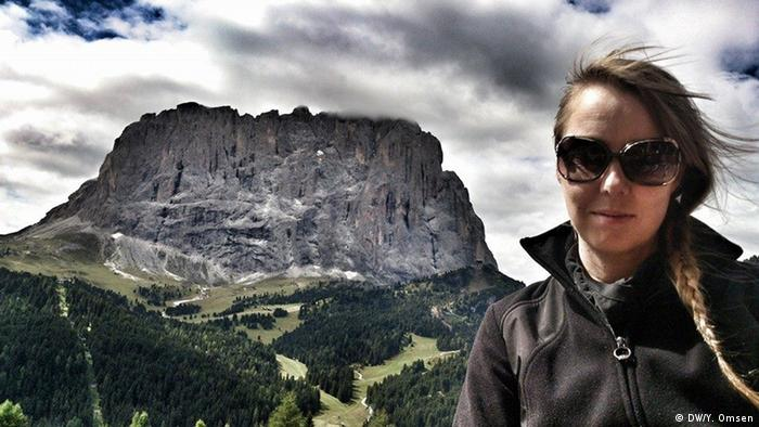 Yvonne and a rock, The Dolomites, Italy (Yvonne Omsen)