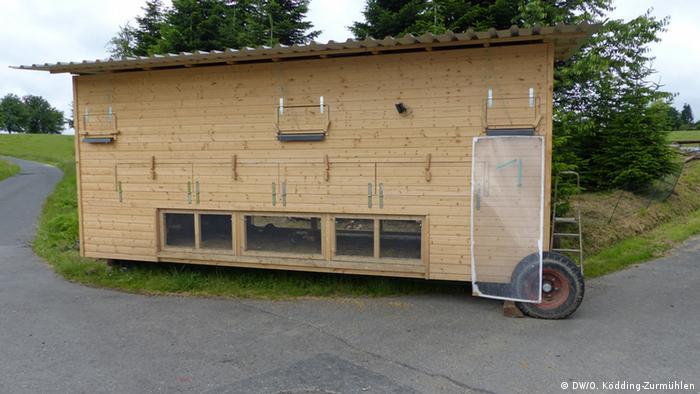 An henhouse of the Community Supported Agriculture in Bonn (Photo: Oleg Ködding-Zurmühlen / DW)