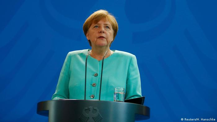 Merkel pede prudência quanto a Brexit e quer manter parceria