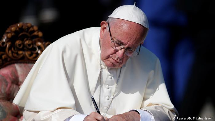 Папа Франциск позбавив чину дев'ятьох монахів, які поселилися на Івано-Франківщині