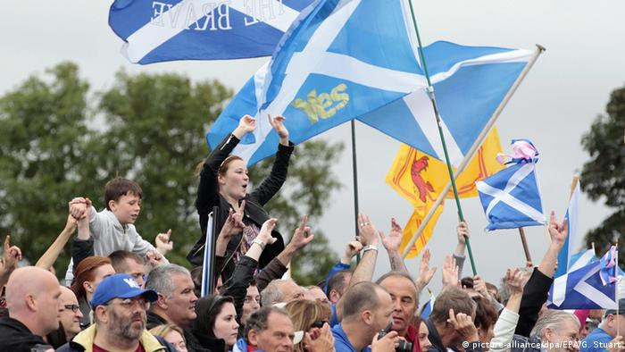 Schottland Proteste in Edinburgh (picture-alliance/dpa/EPA/G. Stuart)