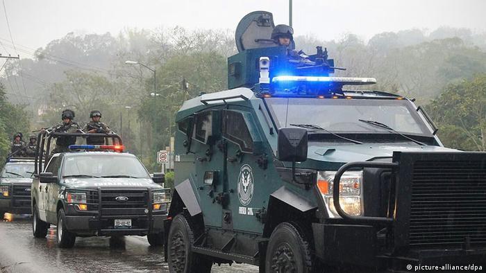 Mexiko Veracruz Polizei Verhaftung Polizisten (picture-alliance/dpa)