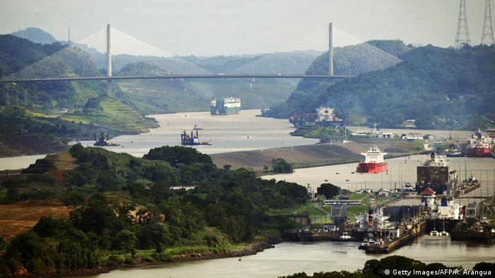 Schleuse im Panamakanal (Foto: RODRIGO ARANGUA/AFP/Getty Images)