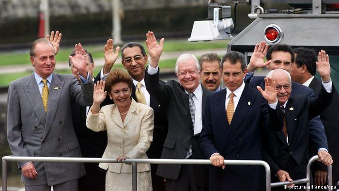 Panama feiert die Übergabe des Panamakanals